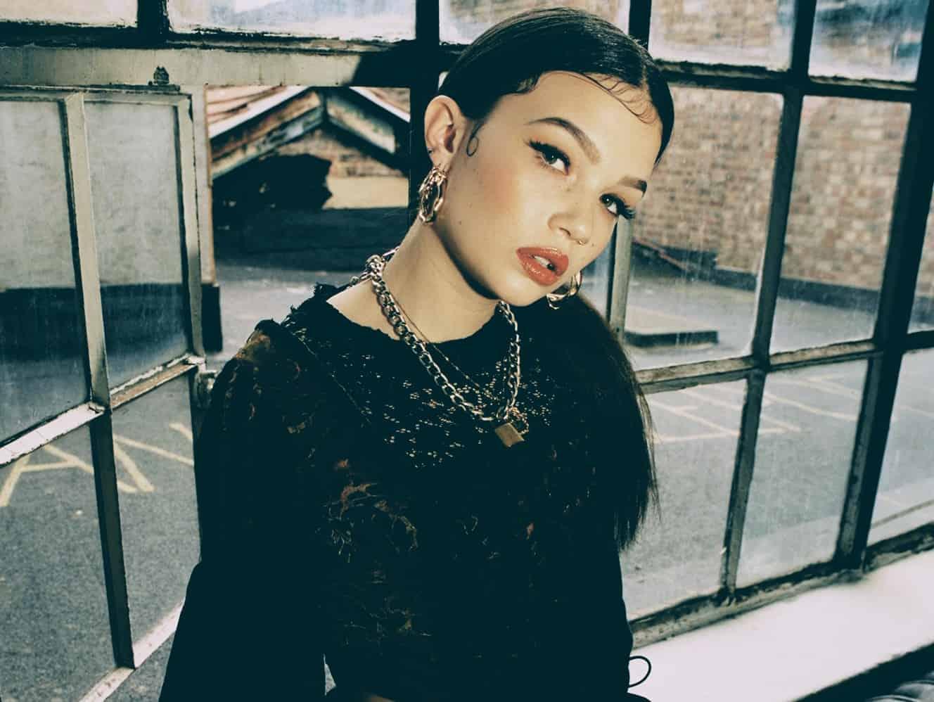 Lola Young Musician Biography