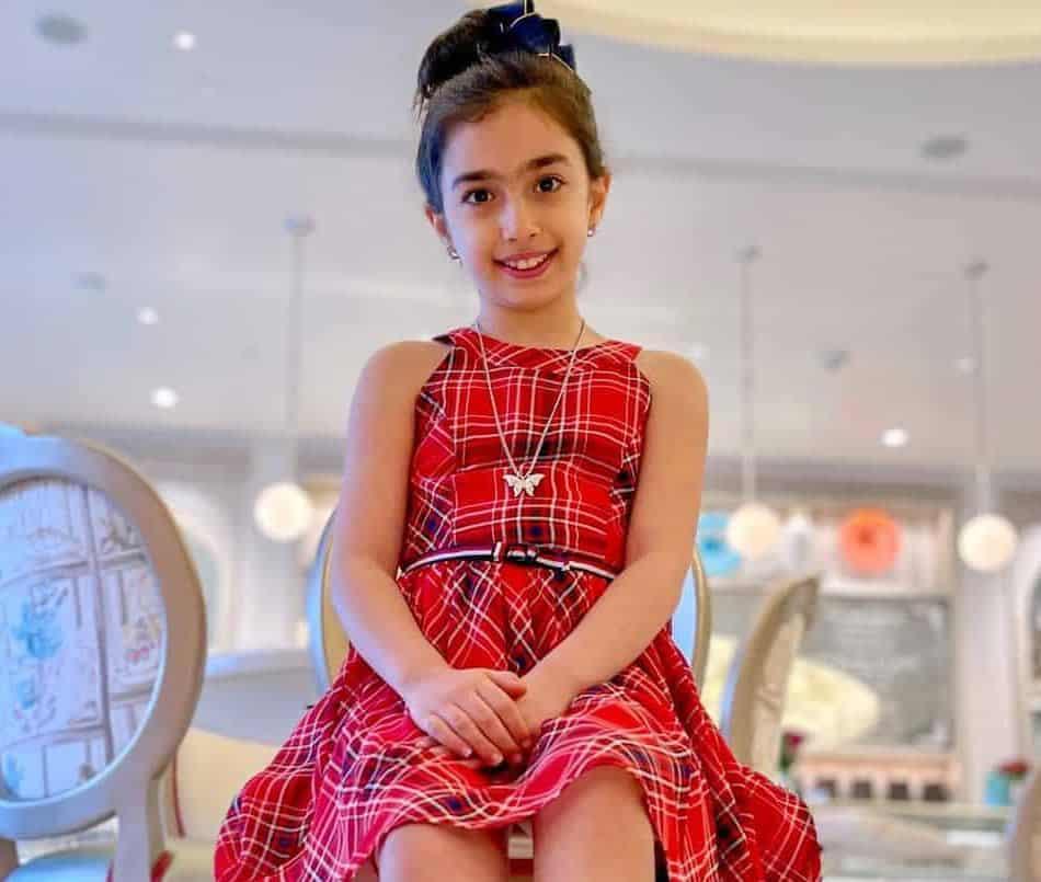 Tara Moayedi Net Worth, Birthday, Parents, Age, Biography, Height, Wiki