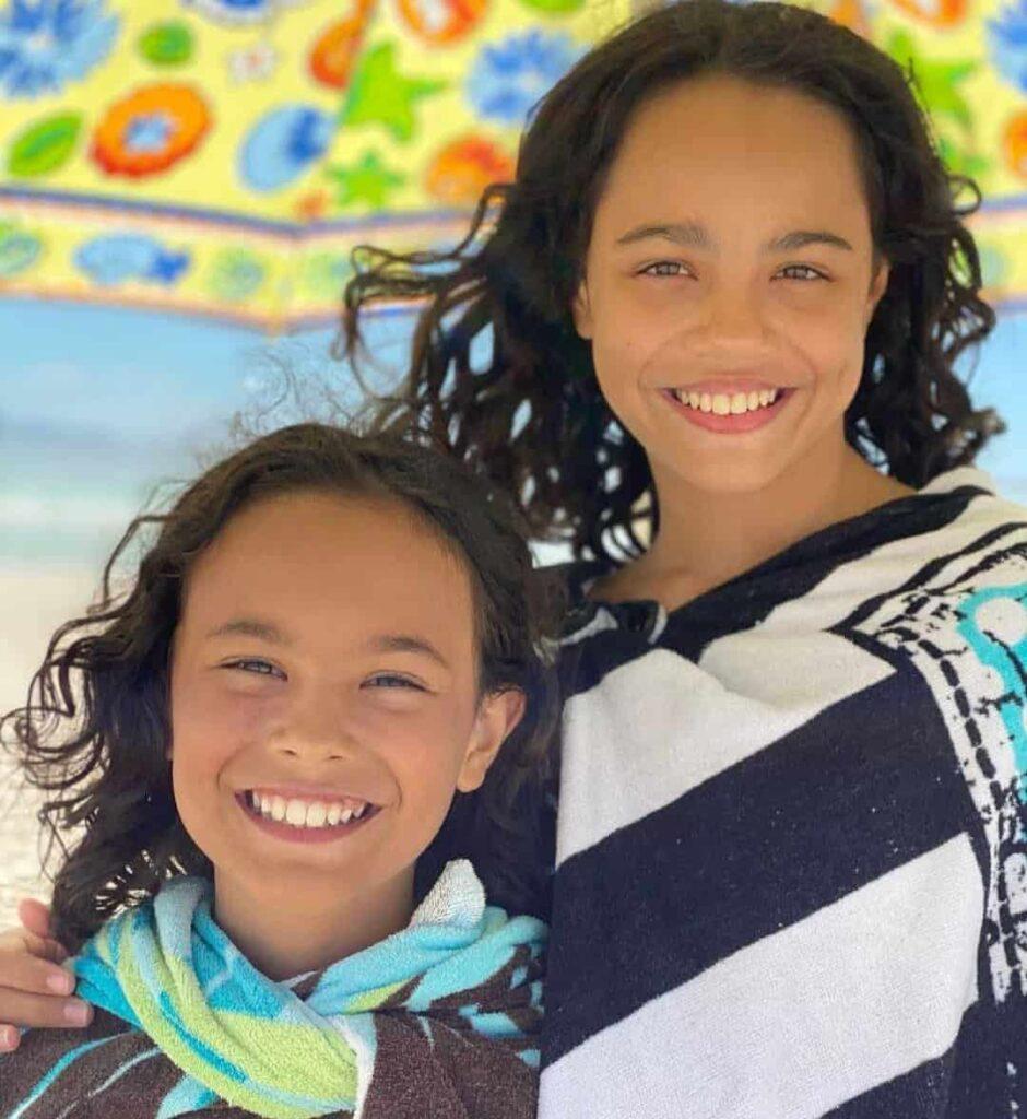 Chloe De Los Santos Brother Oliver Santos, Age, Biography, Parents, Birthday, Height, Wiki