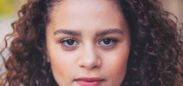Lily Santiago Biography, Parents, Age, Birthday, Net Worth, Height, Wiki